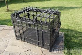 Кованая дровница, кованые дровницы, аксессуары для каминов, дровница для камина
