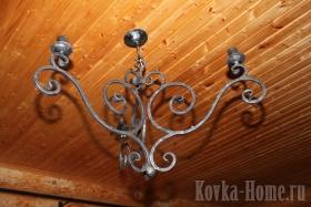 Кованая трехрожковая люстра фото, кованые светильники