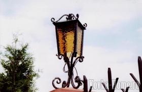 Кованый фонарь для  ворот фото, кованые светильники, кованые фонари