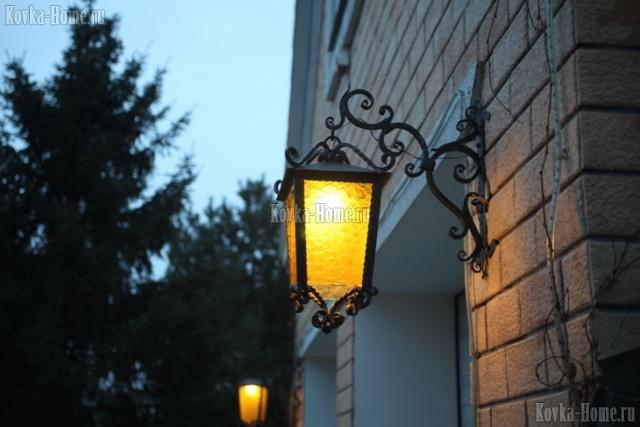 Кованый фонарь фото, кованые фонари, кованый светильник для улицы