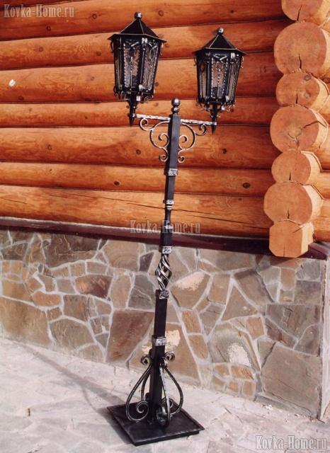 Кованый  фонарь с двумя светильниками фото, кованые светильники, кованые фонари