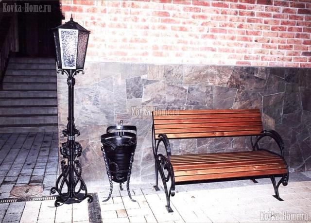Кованые фонари, кованые скамейки
